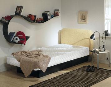 Lit AKVA Junior avec t�te de lit himmelberg tissu tara jaune.
